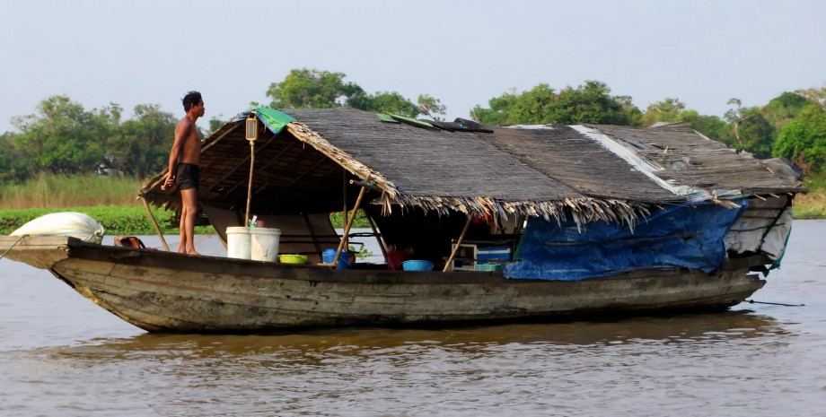 Le village flottant de Kampong Luong
