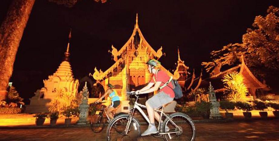 Promenade nocturne en vélo