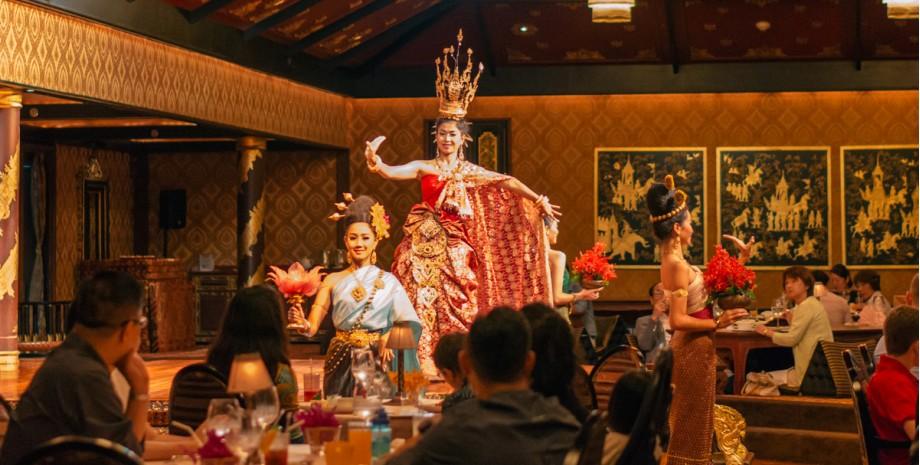 Diner et spectacle au Sala Rim Naam