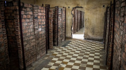 Visite du musée Tuol Sleng  et du camp d'exécution