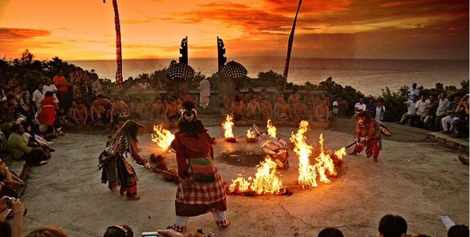 Uluwatu et dance kecak